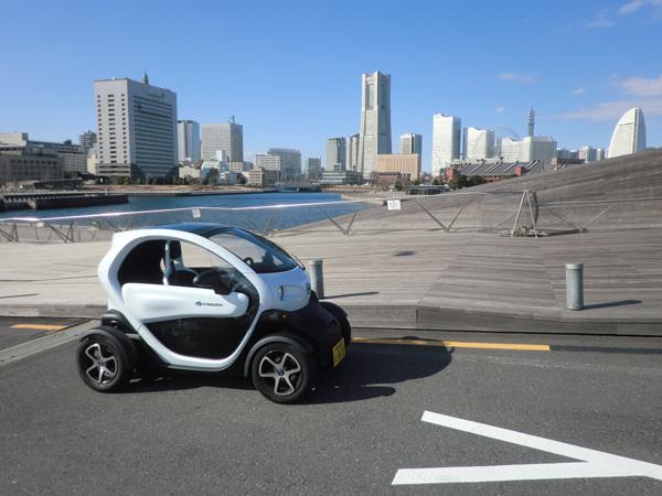 2015年「超小型車(超小型モビリティ)」ブーム到来!?<br />横浜市街での実証試験に通行人は興味津々