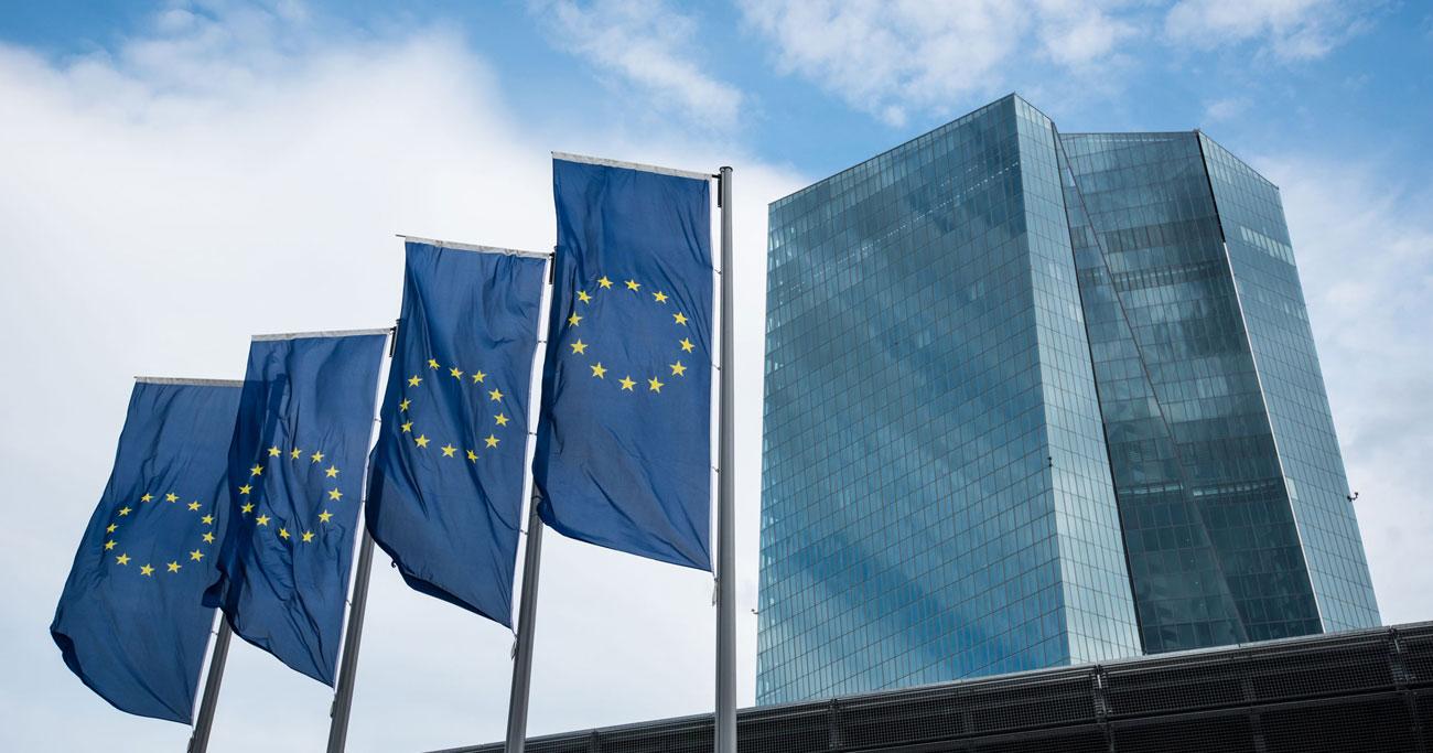 ECBが金融緩和競争に参戦、「最後の大仕事」に臨むドラギ総裁の手札