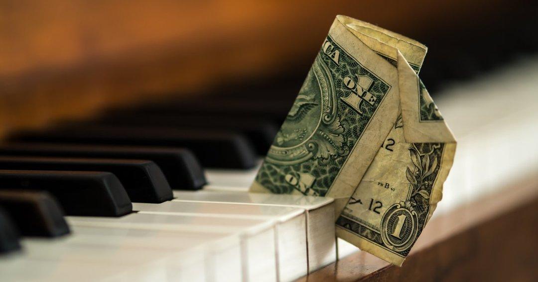 史上最多のヒット曲を抱えるアーティストは「何」で稼いでいるか?