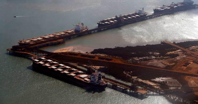 オーストラリアの輸出額は資源価格の急騰によって膨らみ続けている