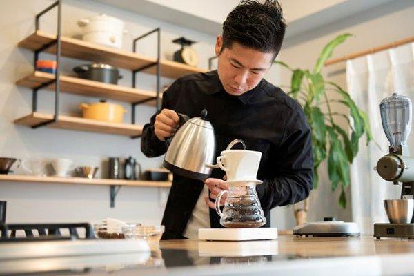 バリスタ・チャンピオンが教える<br />ド素人でも最速で美味しいコーヒーが<br />淹れられる方法