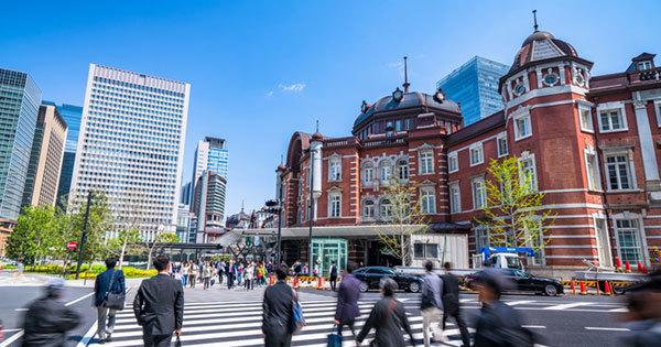 日本の労働生産性を低く見せているものとは