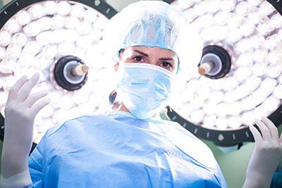 急性虫垂炎の治療は手術か薬か、外科医が選ぶのは?