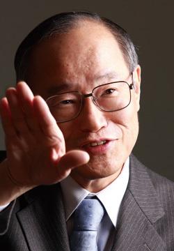 りそなホールディングス<br />細谷英二会長インタビュー<br />「出資も含めたアジア戦略と地銀との連携で<br />高収益のミドルリスクを取りにいく」