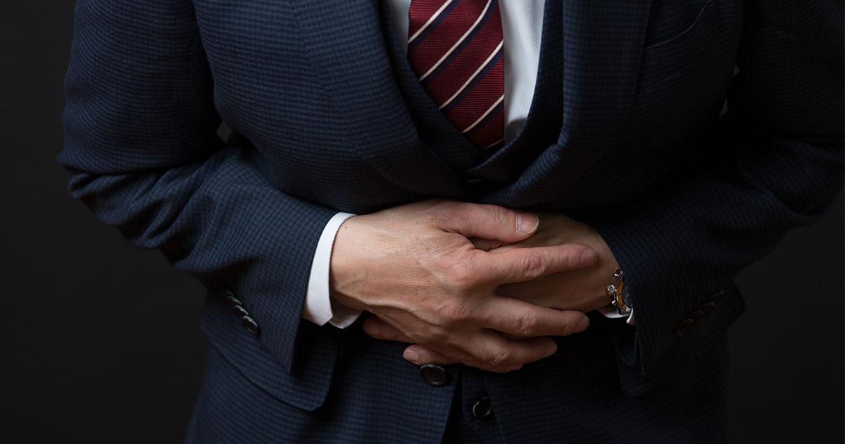 最近、お腹の張りが激しい?便通の変化が示す大腸がんのサインを見逃さないために気をつけるべきこと