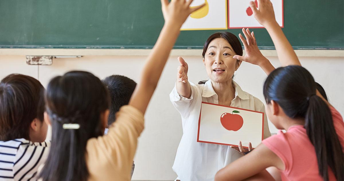 まず「○○」を学ばせておけば、「みずから」英語を読める子に育つ