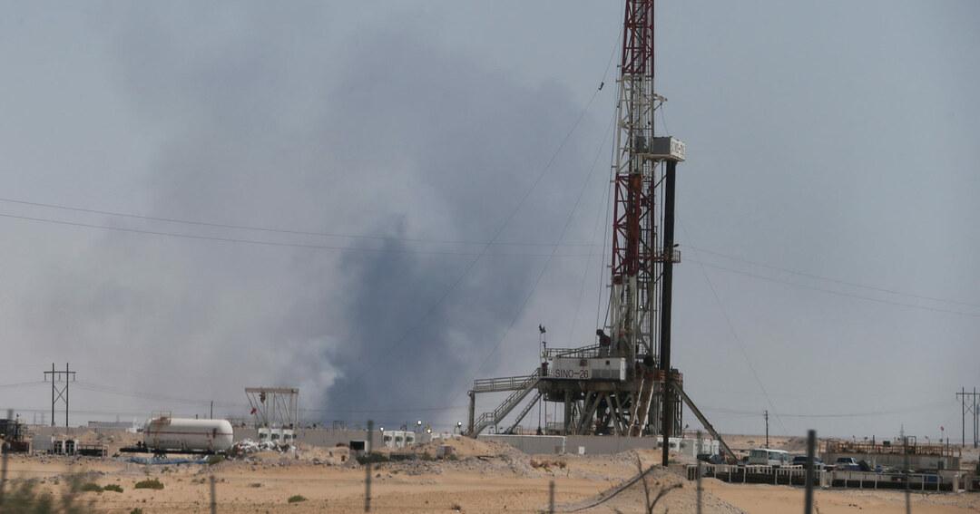 サウジ施設攻撃で石油供給に不安、消費増税の日本経済「直撃」の恐れ