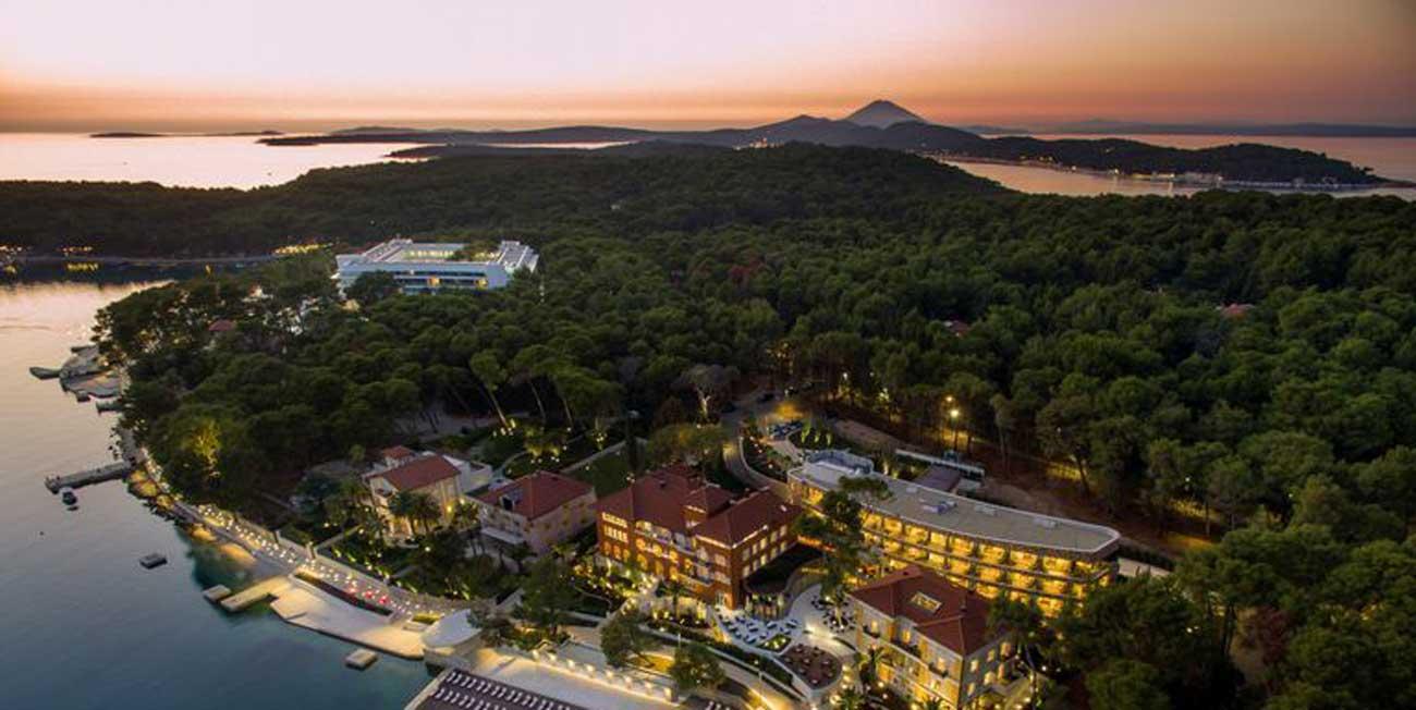 死ぬまでに一度は行きたい…クロアチアの秘島「ロシニ島」とは?