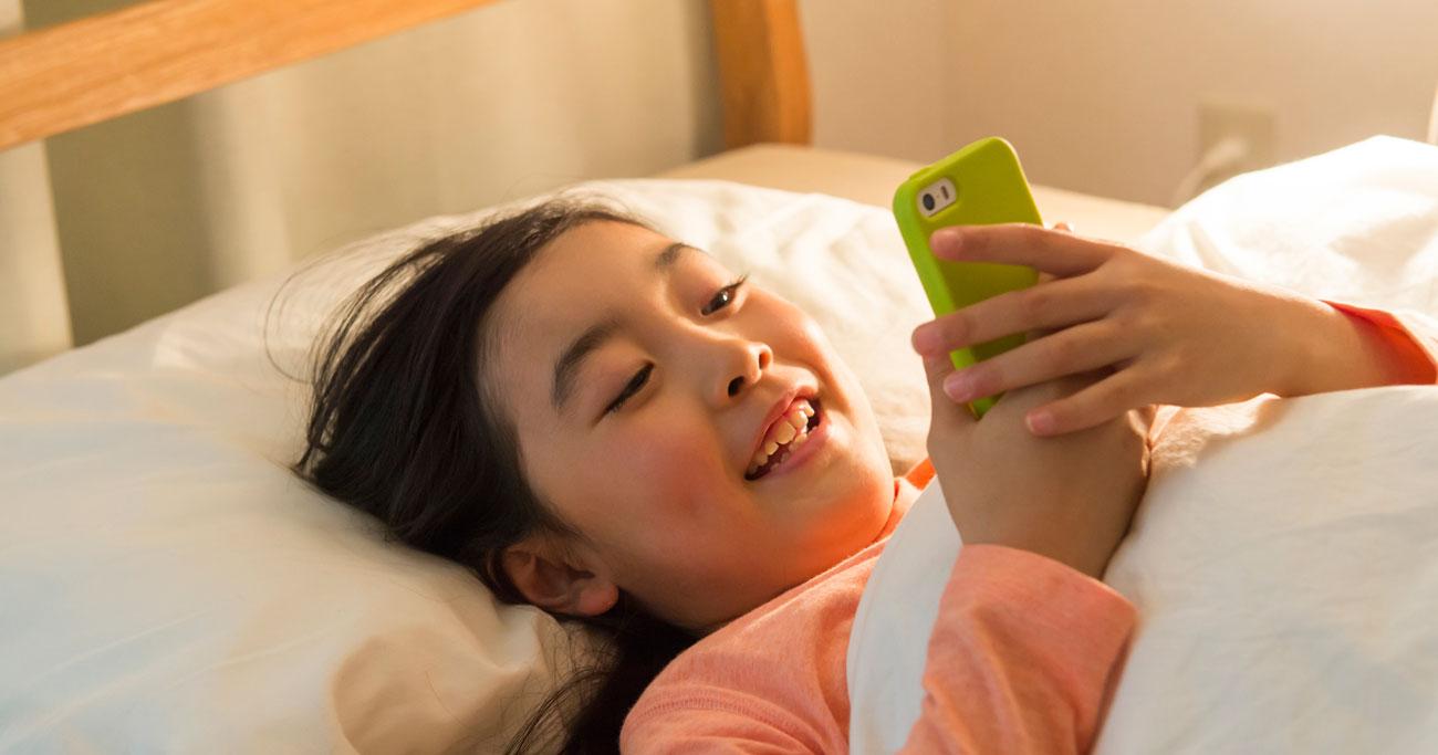 子どもが朝起きられない原因は「スマホ睡眠障害」だけじゃなかった