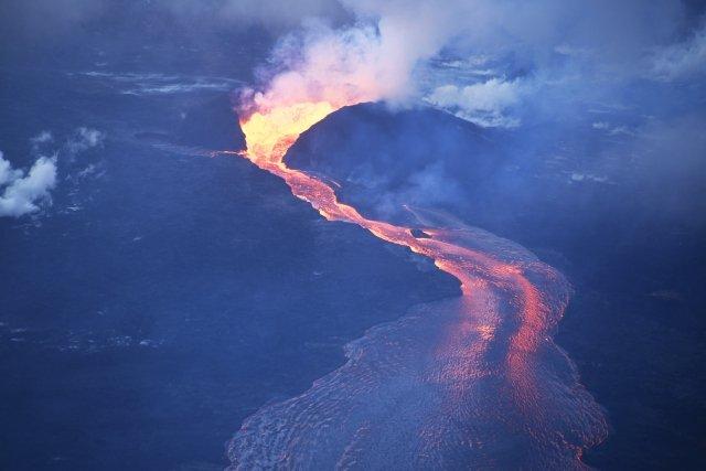 ハワイ島の壮大な景色を堪能できるヘリコプターツアー