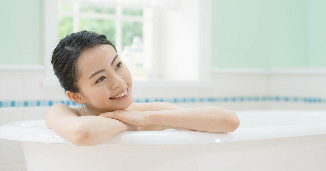 運動不足もモヤモヤも<br />一気に解消できる<br />小林式 風呂ストレッチ