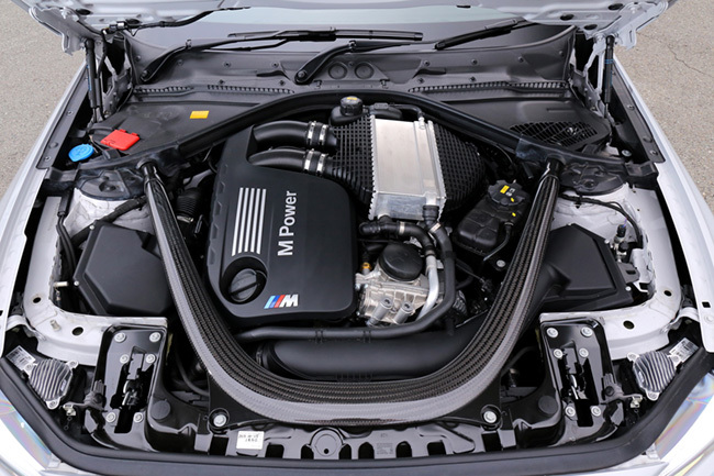 BMW・M2コンペティションのエンジン
