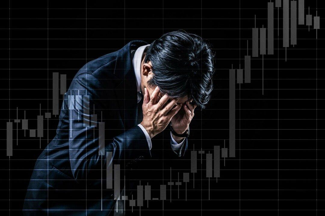 株価下落に苦しむ投資家