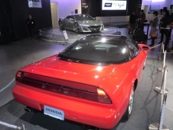 """次期「NSX」は""""元気の約束手形""""。<br />「ハチロク」「BRZ」は""""ショールームの華""""?<br />――日系スポーツカー市場は再生できるか"""