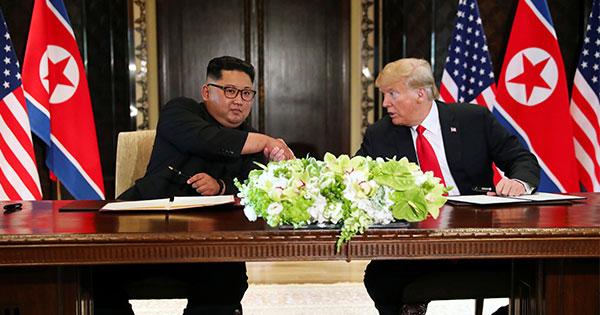 米朝首脳、朝鮮半島の「完全非核化」と北朝鮮の安全保障で合意