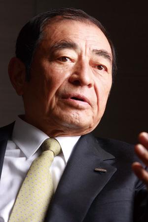 富士フイルムホールディングス<br />古森重隆社長 インタビュー<br />「筋肉質な会社に生まれ変わった。<br />次はトップラインを伸ばす」