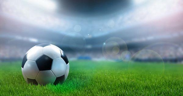 世界屈指の天才すぎる経済学者が考えた、サッカーのPKは絶対にど真ん中に蹴るべき理由とは?