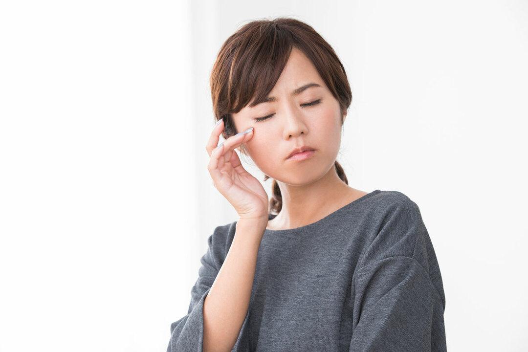 眼瞼けいれんは、しばしばドライアイと間違えられるケースが多いようです。