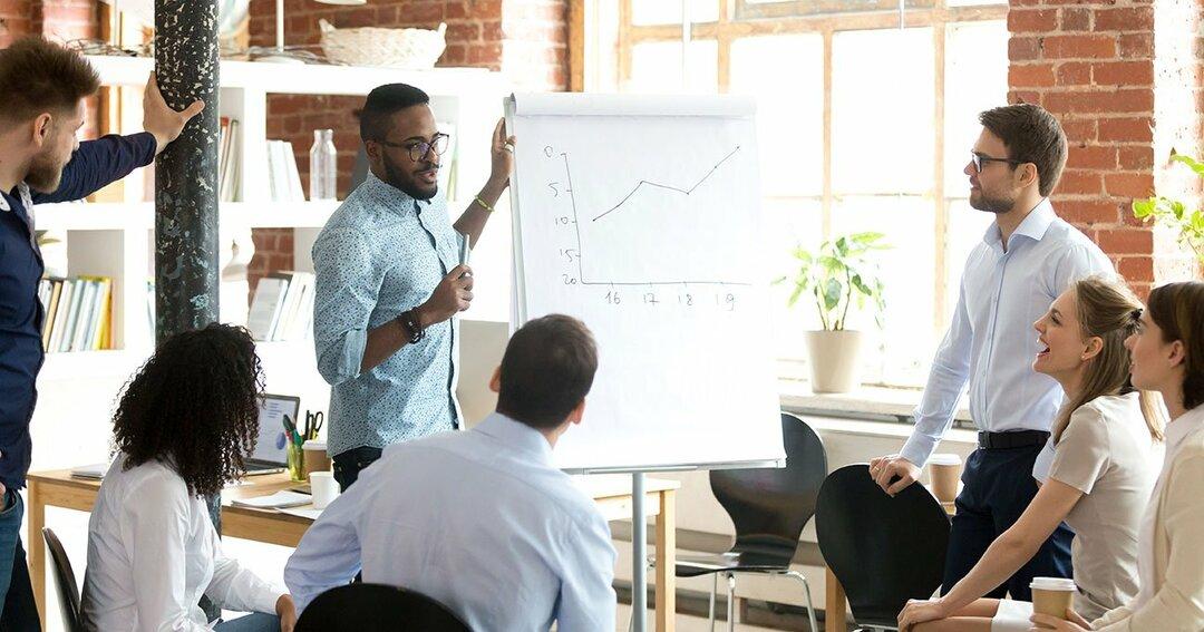 「会社は大きくすべきか?」経営学の視点で考える