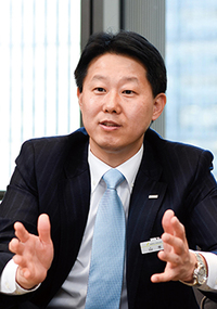 業務改革室 副室長 山本 慶