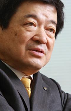 伊藤忠商事 小林栄三・会長<br /> 「生活消費で13億人にリーチ<br /> 整備されたネットワーク提供」