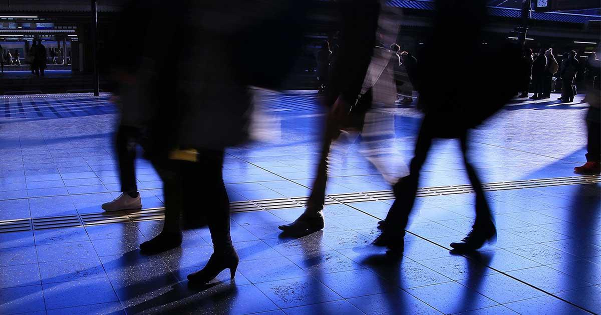 「総雇用者所得が増えた」のは女性や非正規の就労数が増えたから。賃金は低下した