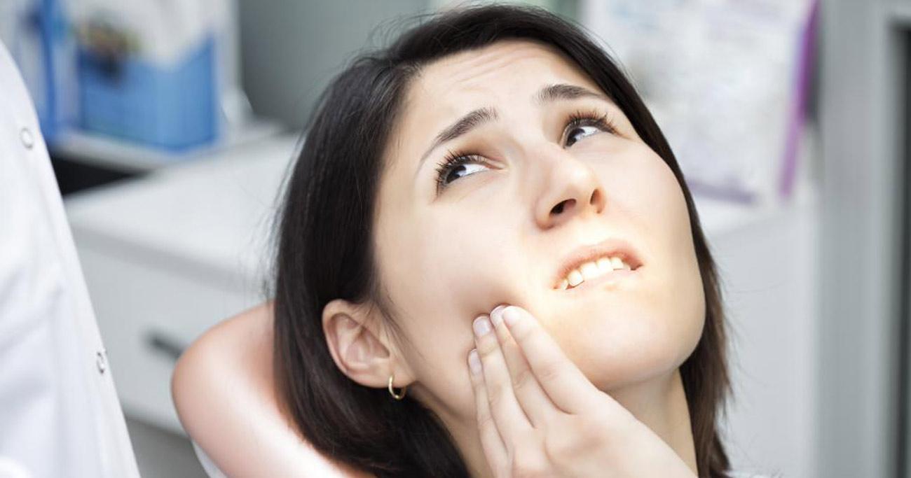 歯の治療を「先延ばし」した人はやっぱり後悔していた!歯科医が想定内と語る調査結果とは?