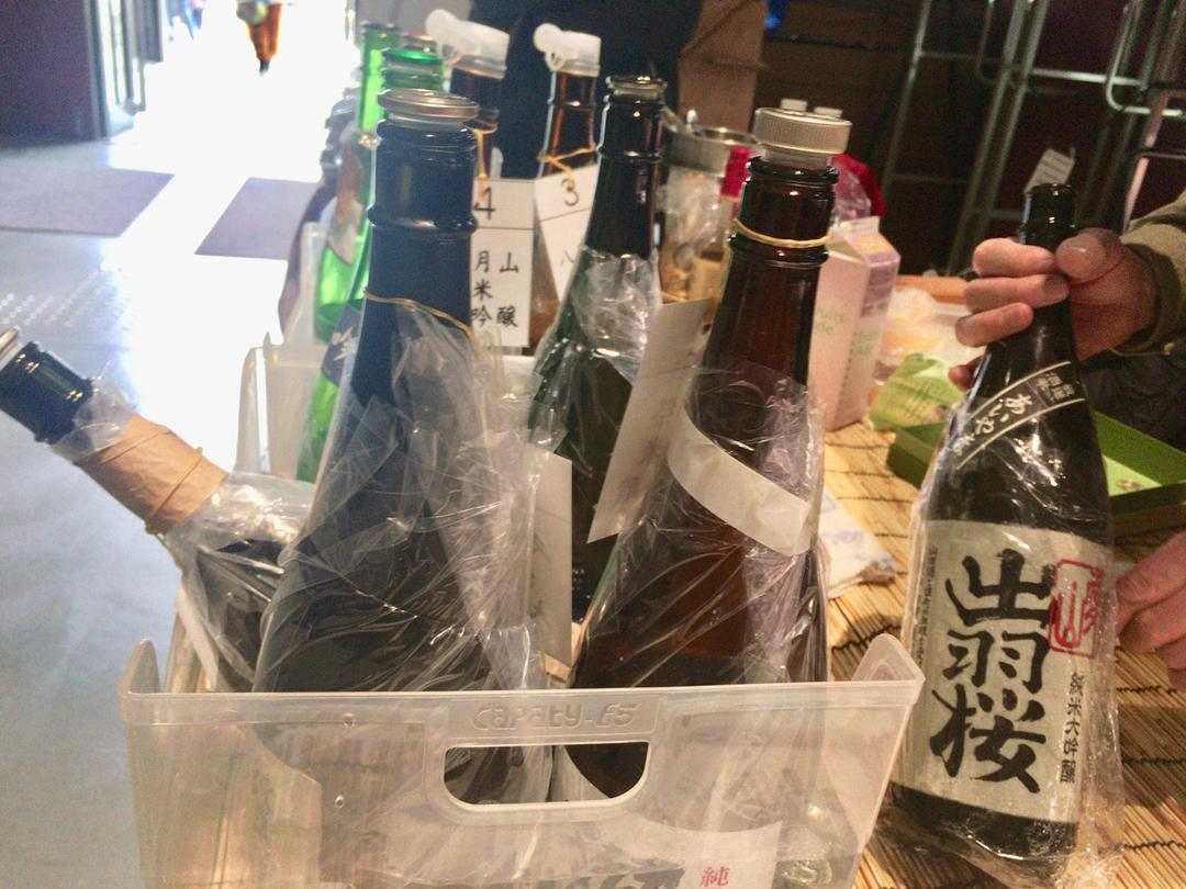 激減する「街の酒屋」が挑む、酒を愛する人を増やす仕掛け
