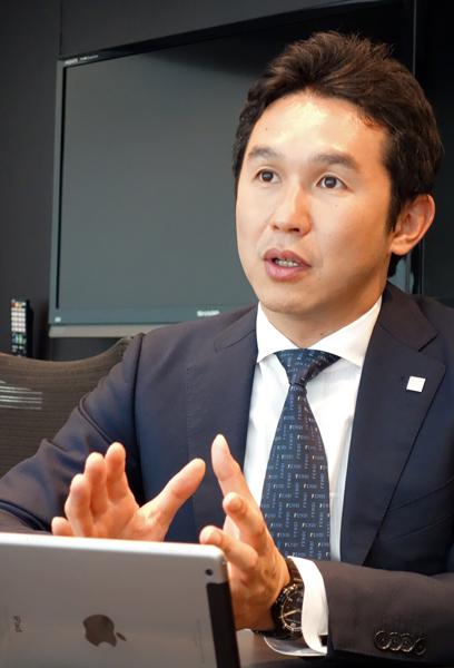 東証上場企業で前例ナシ!<br />IT社長はなぜシンガポールに住んでいるのか