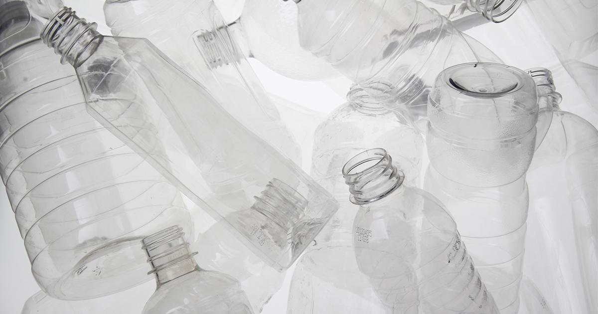 「超」日常からの発想~ペットボトルのカタチのヒミツ「地球人」を育てるためにコンビニへ行こう(前編)