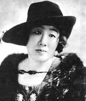 帝国劇場開場2年間のプログラムで俄然注目された<br />三浦環の出演は5回、独唱から歌劇まで(1911-12年)