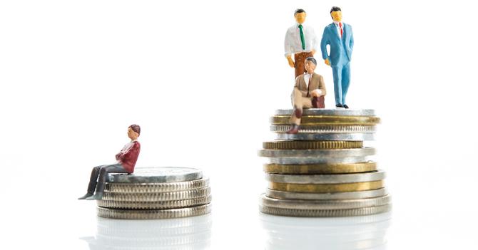 日本では所得格差も貧困意識も拡...
