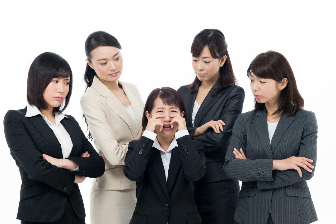 職場が女だらけvs男だらけ、女性にとってマシなのはどっち?