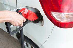 原油価格下落は世界と日本にとって吉か凶か