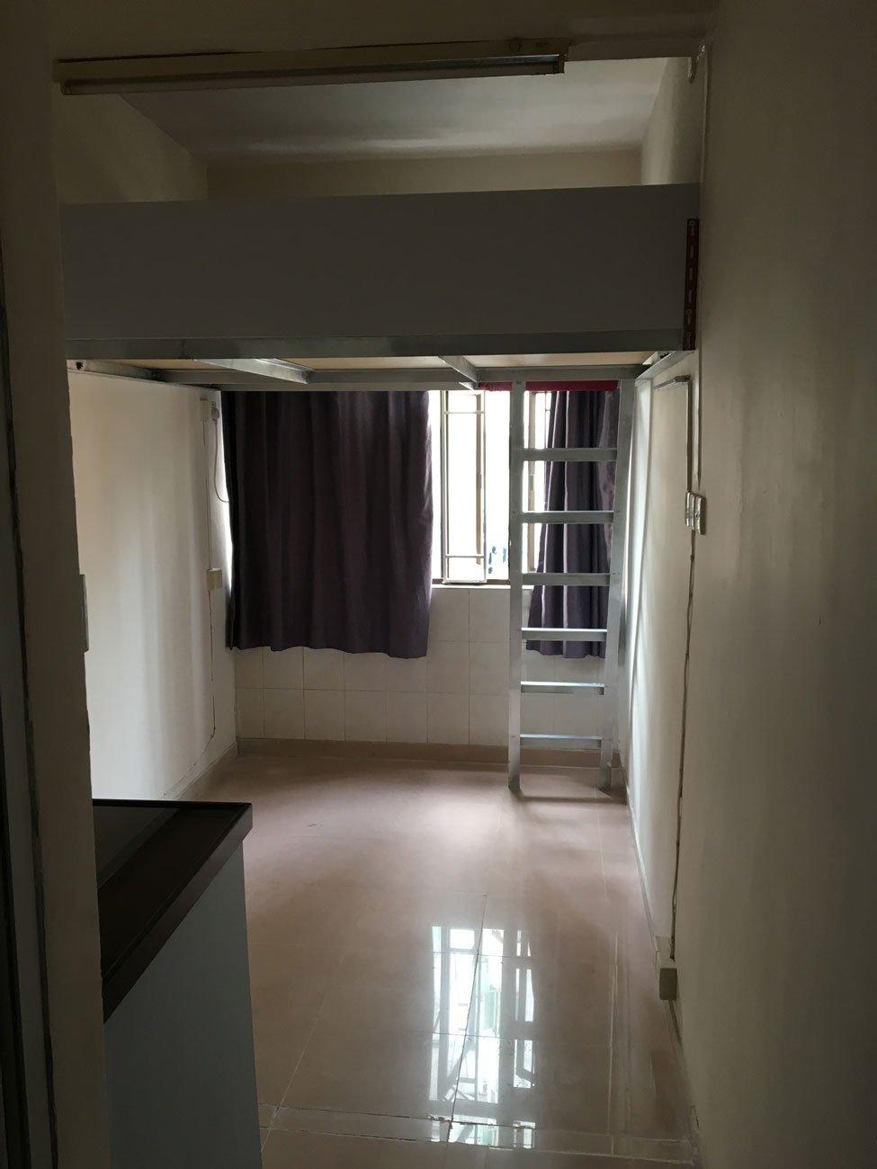 香港のアパート室内