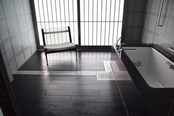 「ガーデン スイート」の浴室