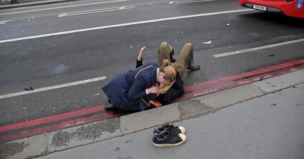 ロンドン襲撃事件、ロイター記者が見た現場状況