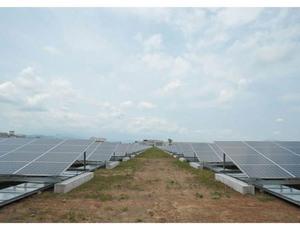 """太陽光発電の駆け込み需要 <br />""""認定量""""だけ世界一の裏側"""