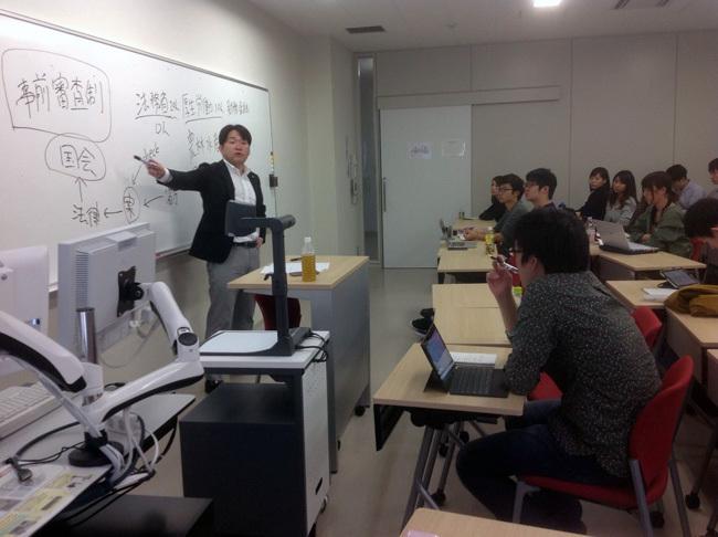 日本は難民問題に、産業育成を通じた中東の民主化で貢献すべきだ