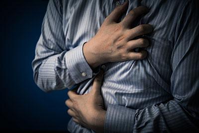 心筋梗塞の自覚症状は「胸痛」ばかりではなく、男女差もある