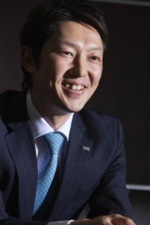 高松富也(ダイドードリンコ社長:4月16日株主総会後就任予定)<br />将来は非飲料事業で売上高の半分を稼ぐ