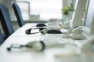 電話の向こうから「ぶっ殺す」の声…離職率9割、コールセンターの実態