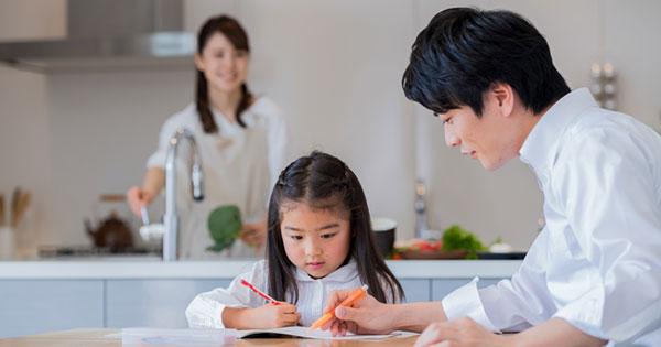 """リビングの""""生活音""""で脳が活性化する!? 中学受験の基礎は家庭でつくられる!"""