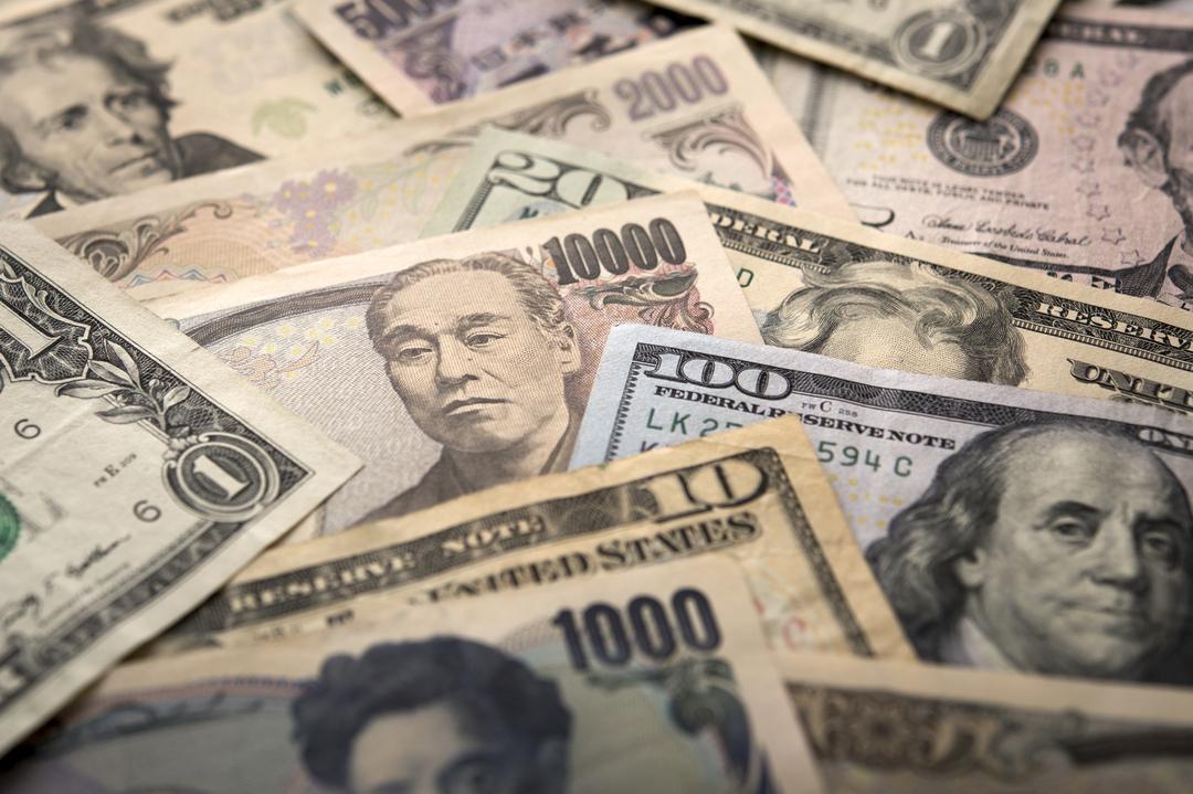 トランプノミクスで日本企業に円安の神風、世界は財政拡大へ<br />