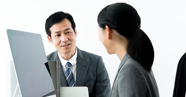 社員のやる気を引き出すためには、さりげない「○○ 」が効果的