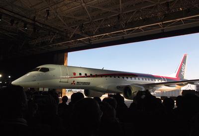MRJ初飛行カウントダウン <br />水面下で進む九州就航計画