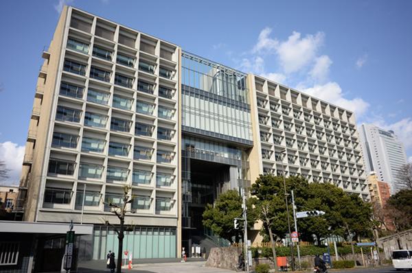 早稲田・政経と慶應・経済ならどっちに行く? 早慶の人気学部は…