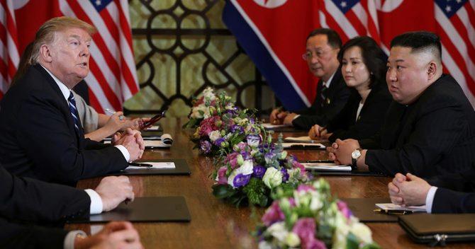 トランプ米大統領(写真左)と北朝鮮の金正恩、朝鮮労働党委員長