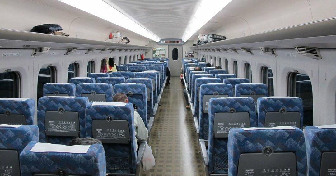 新幹線の座席「2人席+3人席」の並び方が数学的にも理に適っている理由