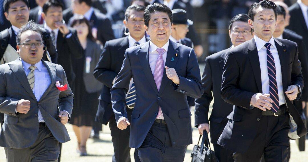 「桜を見る会」問題で安倍前首相の影響力は失墜、菅政権は自由になった?